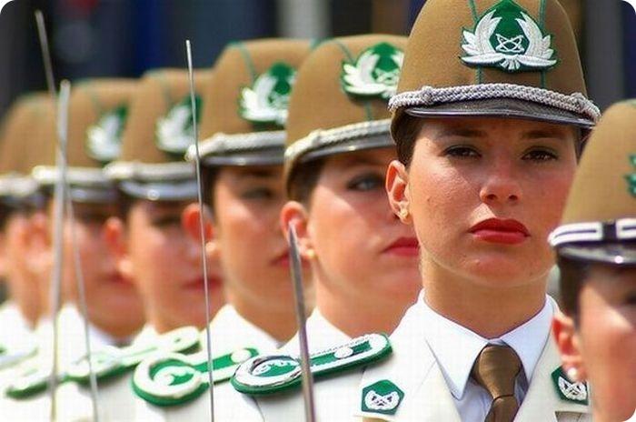 Девушки полицейские из разных стран 53