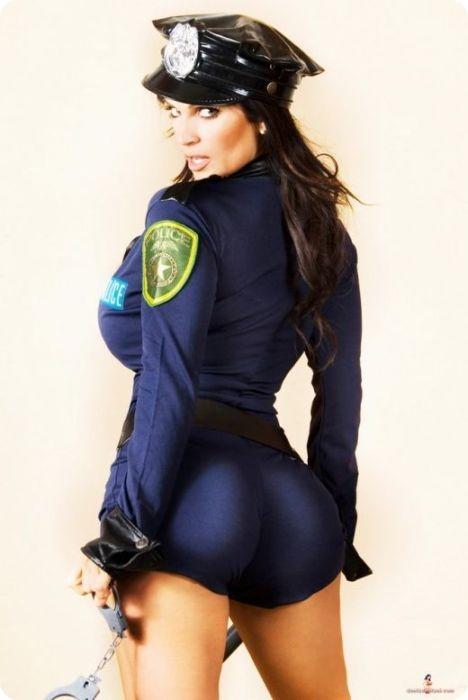 сексуальная девушка-полицейский фото