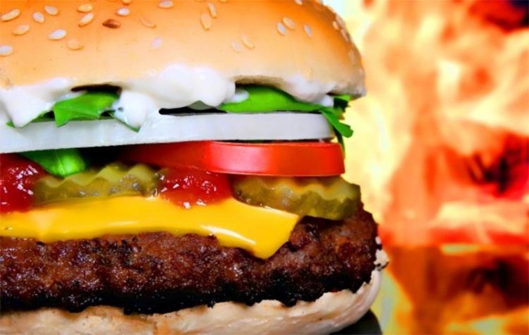 Блюда ресторанов США с огромным содержанием калорий