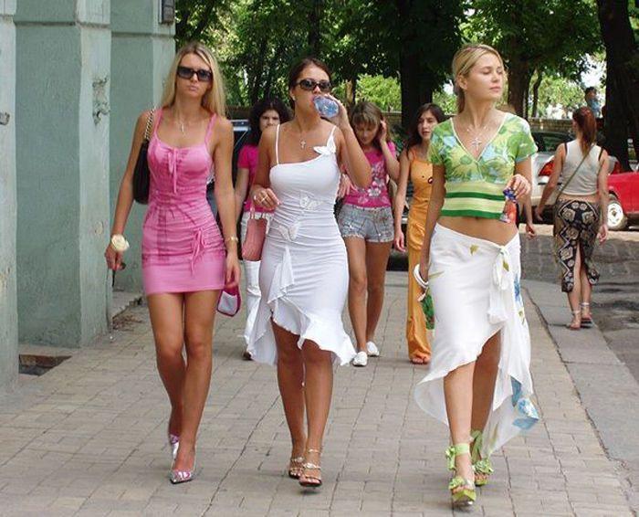 Фото девушек русских в платьях